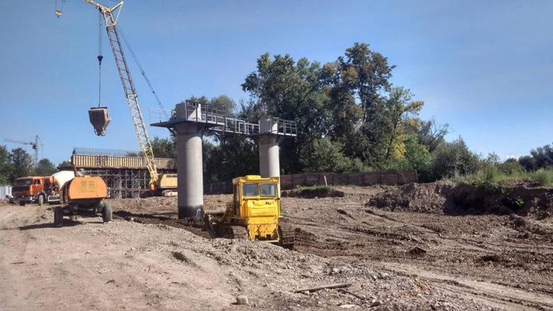Будівельники відзвітували щодо зведення нового моста на Пасічну (ФОТО)