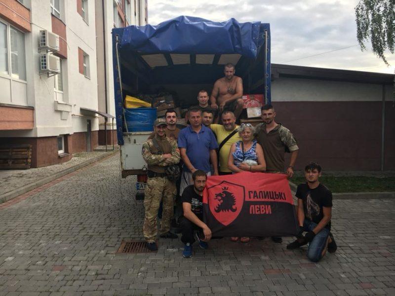 Прикарпатські волонтери та ветерани провідали бійців на передовій (ФОТО)