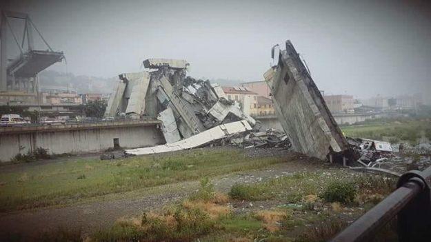 В Італії обвалився автомобільний міст: десятки людей загинули (ФОТО, ВІДЕО)