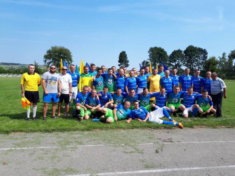 Понад дев'ять тисяч гривень зібрали для онкохворого Станіслава Фармуги на благодійному футбольному матчі у Тлумачі