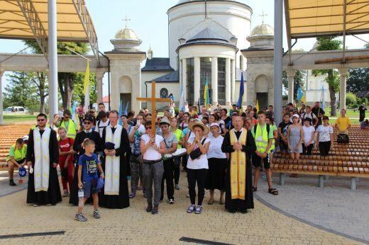 650 вірян з різних областей молилися за Україну у Гошеві