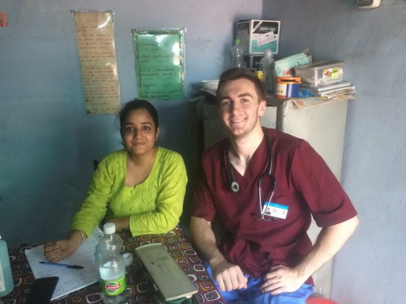 Франківський студент відточував медичні навички в Індії (ФОТО)