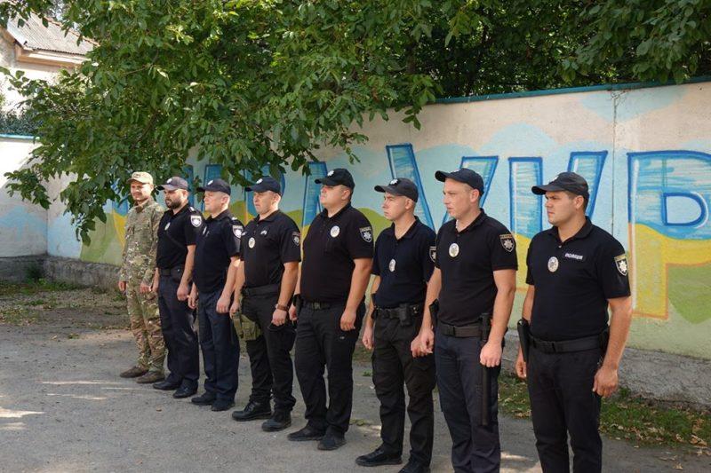 Загін прикарпатських поліціянтів вирушив у відрядження на схід України (ФОТО)
