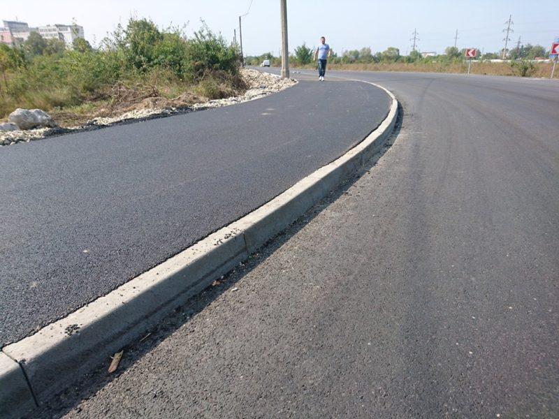 У Микитинцях за кілька днів з польового шляху зробили нову дорогу (ФОТО)