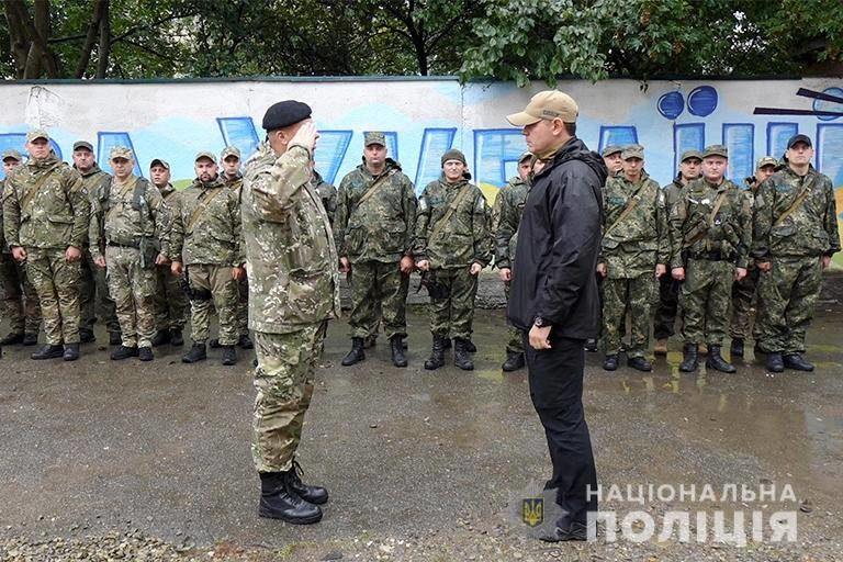 30 прикарпатських поліціянтів вирушили в зону ООС (ФОТО)