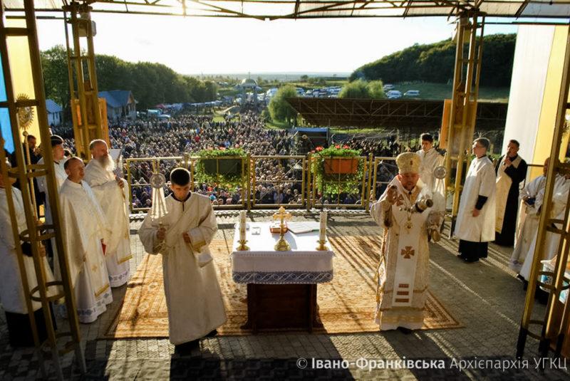 Тисячі паломників зійшлися на прощу у Погоню (ФОТО)