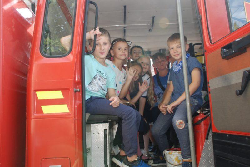 Учні Католицької школи завітали в гості до франківських рятувальників (ФОТО)