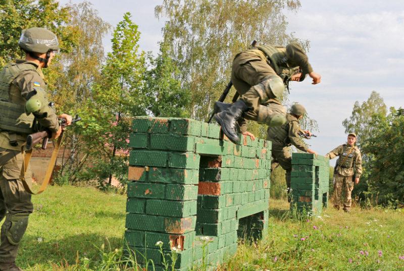 На Франківщині для молодих офіцерів влаштували навчання за стандартами НАТО (ФОТО)