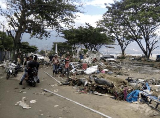 В Індонезії від землетрусу й цунамі загинуло більше 800 людей