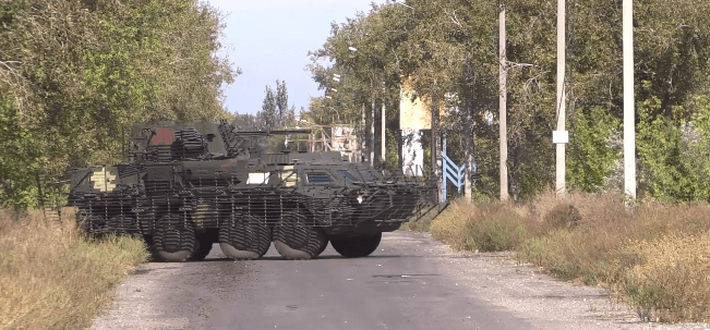 """Військові показали потужний БТР """"Буцефал"""", який випробували на Донбасі (ВІДЕО)"""
