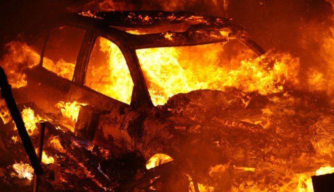 У понеділок на Прикарпатті горіли дві машини