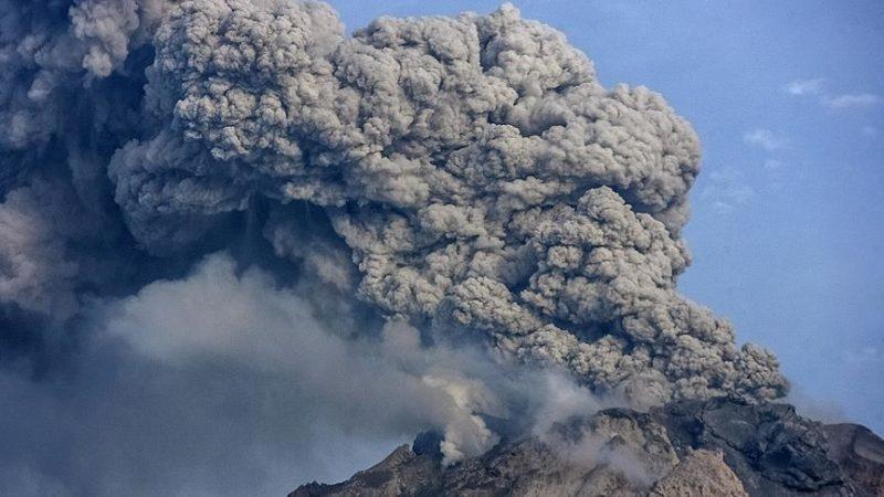 В Індонезії прокинувся вулкан, за три дні – 44 вибухи