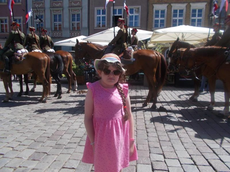 9-річна дівчинка з Франківська продовжує боротися за повноцінне життя. Потрібна допомога (ФОТО)
