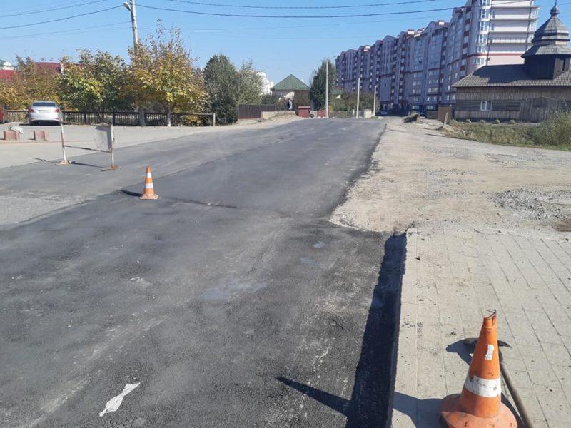 Дорожники оновили дорогу на виїзді з міста в напрямку Загвіздя (ФОТО)