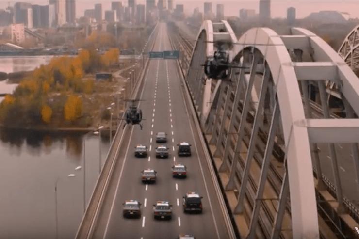 Майлі Сайрус зняла кліп на Дарницькому мосту (ВІДЕО)