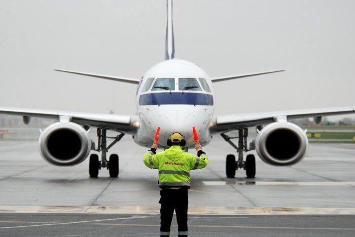 У США 17-річна дівчина викрала і розбила літак