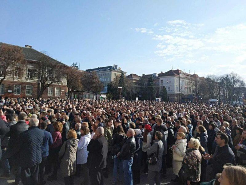 В Тернополі масові протести через нечуване зростання тарифів на проїзд у міському транспорті (ФОТО, ОНОВЛЕНО)
