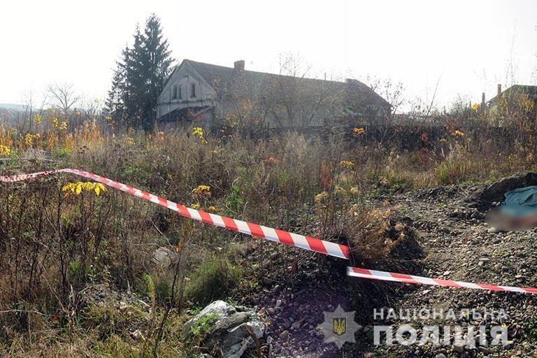 Поліціянти затримали вбивцю жінки, тіло якої знайшли на Коломийщині (ФОТО)