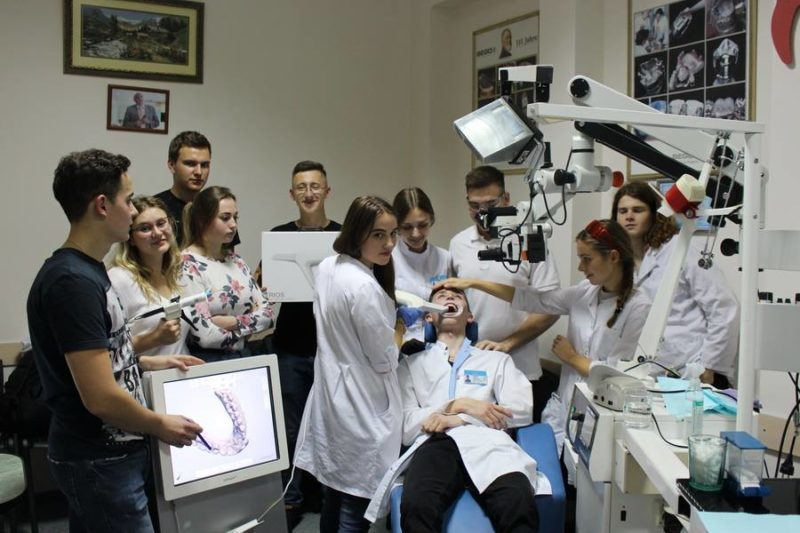 Студентів ІФНМУ вчили використовувати цифрові 3D технологій в ортопедичній стоматології (ФОТО)