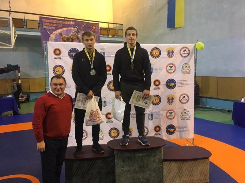 Прикарпатські спортсмени вибороли три нагороди наВсеукраїнському турнірі з вільної боротьби (ФОТО)