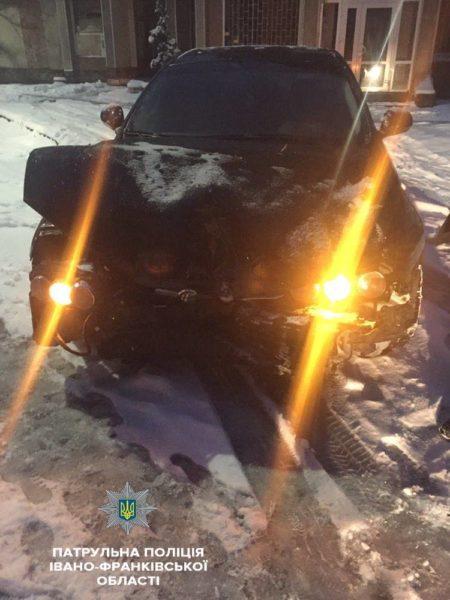 П'яний франківець їздив містом на розбитій машині (ФОТОФАКТ)