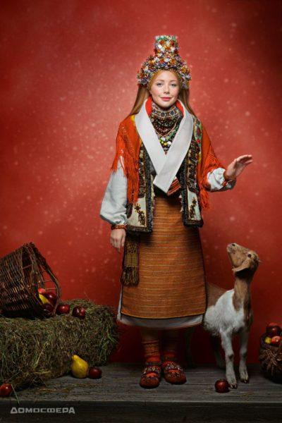 Тіна Кароль у традиційному українському вбранні знялася для благодійного календаря (ФОТО)