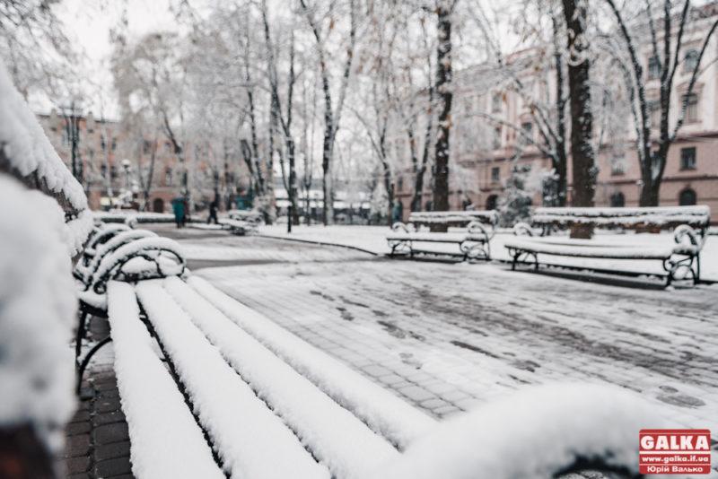 На Прикарпаття йде справжня зима: прогнозують сніг і хуртовини
