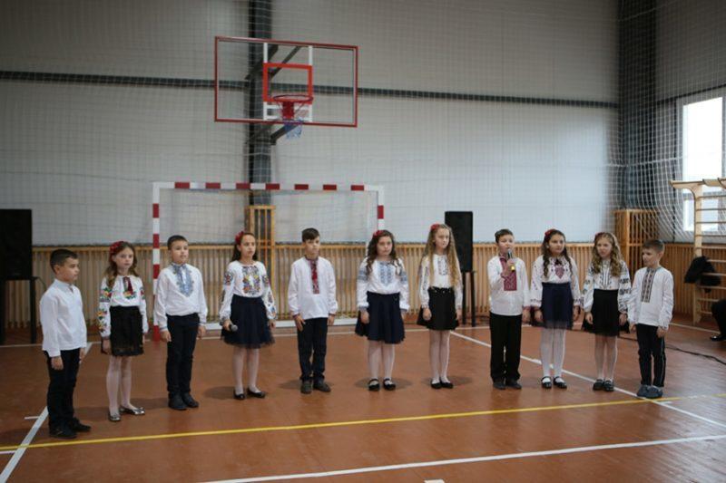 У сільській школі на Тисмениччині відкрили новий спортзал (ФОТО)