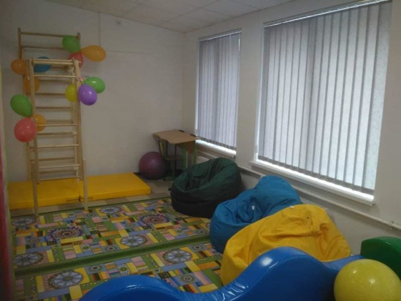 Дитячому реабілітаційному центру у Бурштині передали нове обладнання (ФОТО)