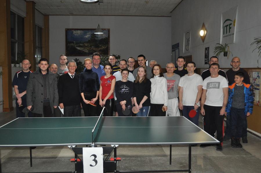 Викладачі та працівники ІФНМУ позмагалися в настільному тенісі (ФОТО)