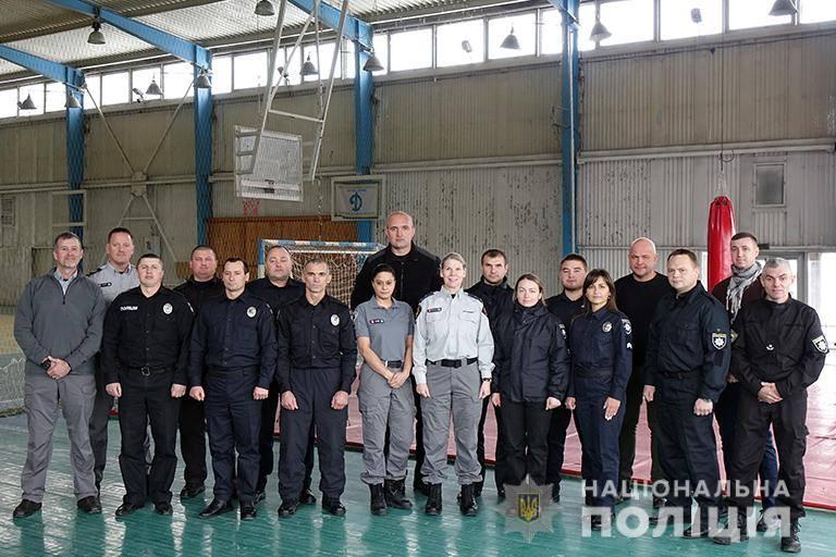 На Прикарпатті канадські поліцейські вчать місцевих правоохоронців (ФОТО)