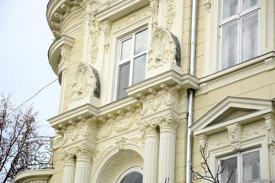 На вулиці Шевченка планують відреставрувати всі старовинні двері та фасади будівель (ФОТО)
