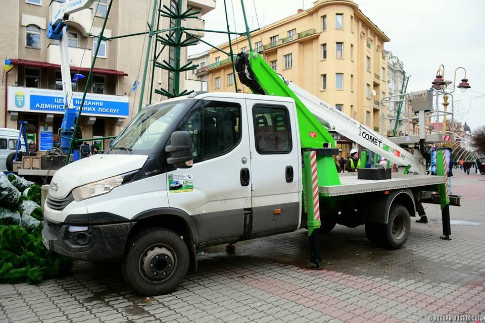 Івано-Франківськ закупив два нові автопідіймачі (ФОТО)