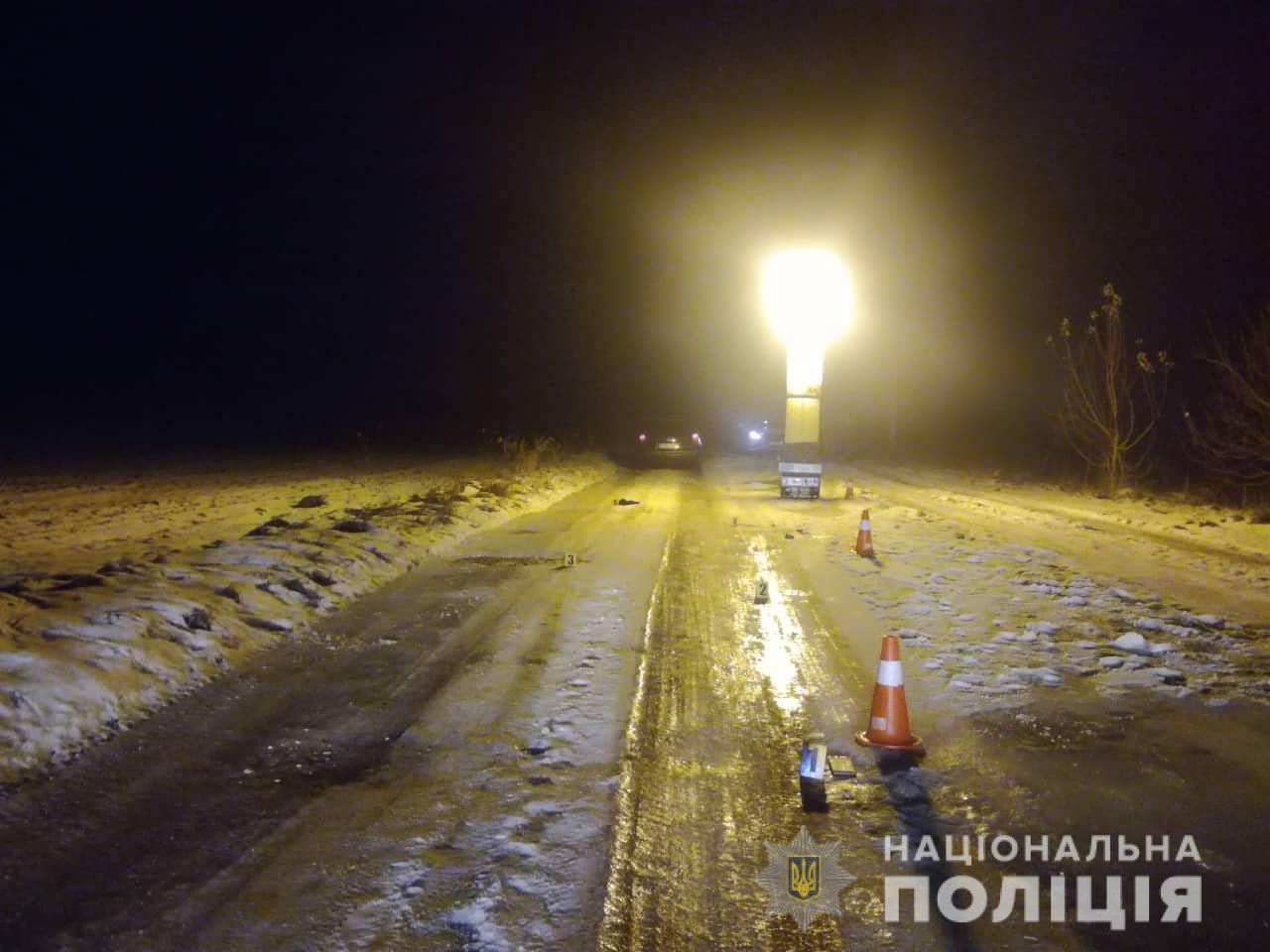 На Рожнятівщині п'яний водій вбив пішохода, котрий лежав на дорозі (ФОТО 18+)