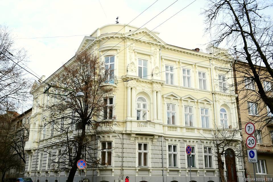 На Шевченка завершили реставрацію старовинного будинку (ФОТО)