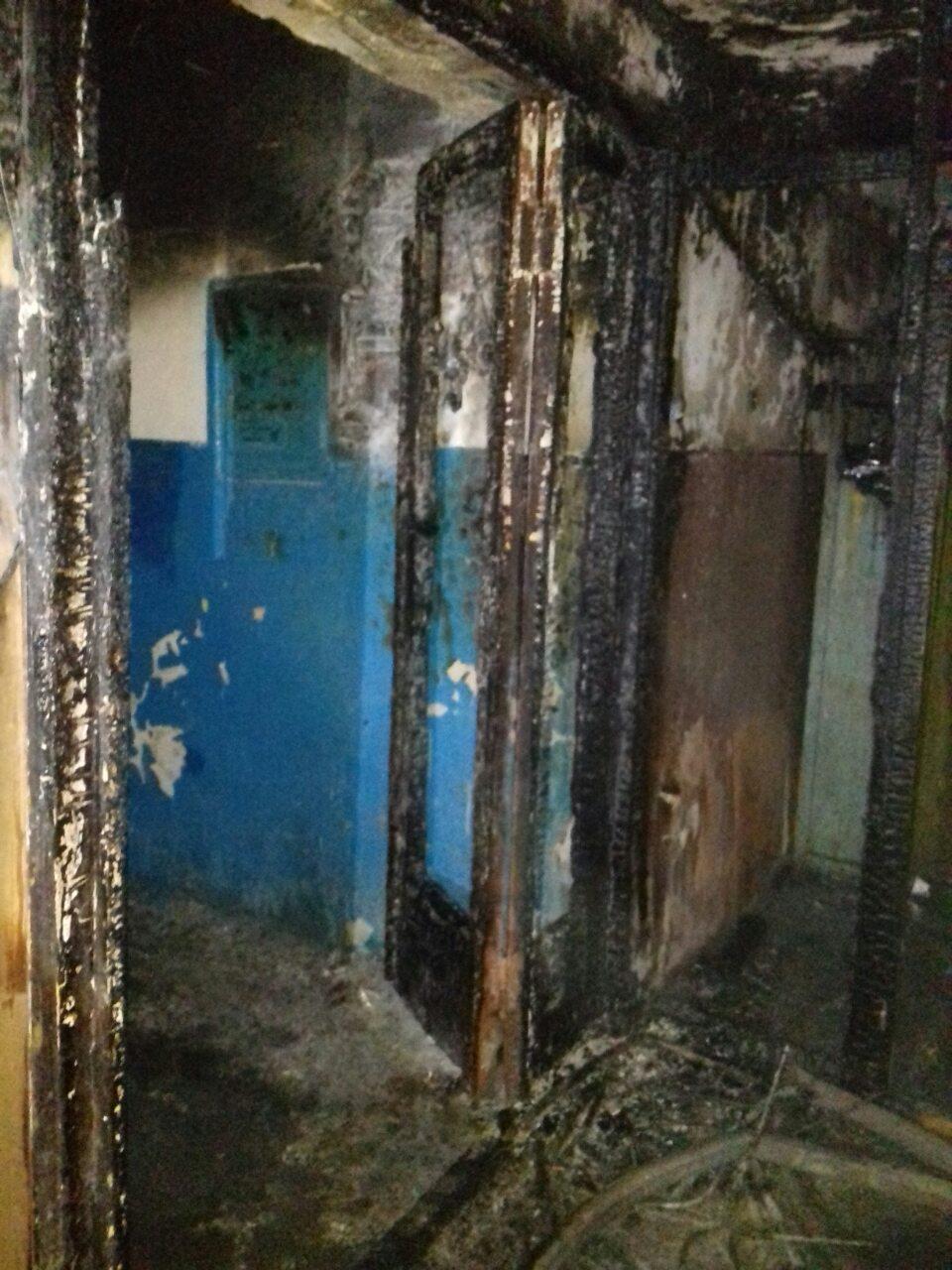 Десять людей евакуювали під час нічної пожежі у багатоквартирному будинку (ФОТО)